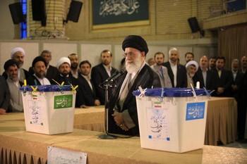 В Иране сегодня пройдут президентские выборы. Фото: OLIVIER LABAN-MATTEI/AFP/Getty Images