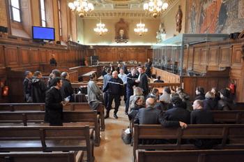 Зал суда в Париже, апрель 2009г. Фото: LIONEL BONAVENTURE/AFP/Getty Images