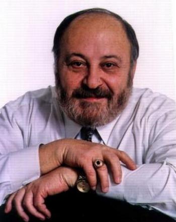 Российский писатель и сценарист Георгий Вайнер. Фото с peoples.ru
