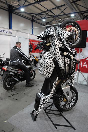 В Киеве открылась пятая международная специализированная выставка «Мотобайк-2009». Фото: Владимир Бородин/Великая Эпоха