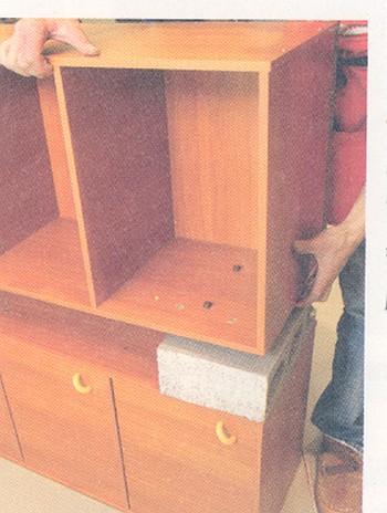 Более половины деревянной мебели изготовляемой и реализовываемой в городе Шеньчжень провинции Гуандун, не соответствует стандартам качества. Фото с epochtimes.com
