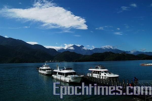 Озеро Жиюетан. Фото: The Epoch Times Озеро Жиютан. Фото: The Epoch Times