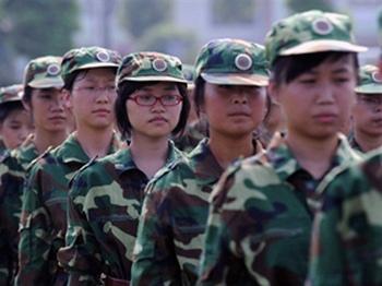 Студентки первого курса института города Хэфэй провинции Аньхой. Фото: AFP