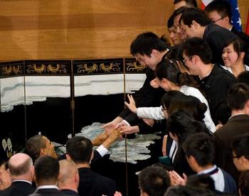 Барак Обама встретился с китайскими студентами. Шанхай. 16 ноября 2009 год. Фото: AFP