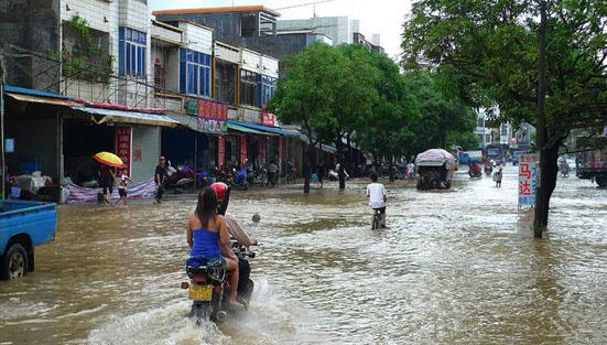 Тайфун Koppu («Чаша») вызвал наводнения в провинции Гуандун. Фото с epochtimes.com