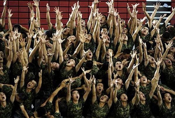 Сцены танцевальной постановки «Путь возрождения». Фото с epochtimes.com