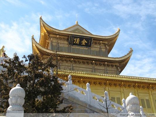 Храм Хуацзан (Цзиньдин). Горы Эмэй. Фото с secretchina.com