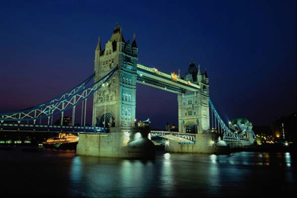 Мост через Темзу. Фото: SAGA.UA