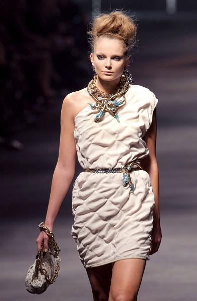 Женская Француская коллекця Lanvin на Неделе моды в Париже/PIERRE VERDY/AFP/Getty Images