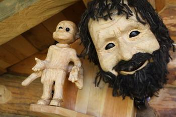 Куклы, придуманные и сделанные  Владимиром Захаровым. Фото: Ульяна КИМ/Великая Эпоха
