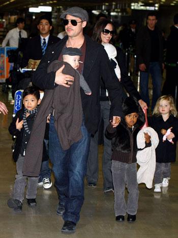 Брэд Питт  бессменно играет  роль главы большого семейства. Фото:Junko Kimura /Getty Images