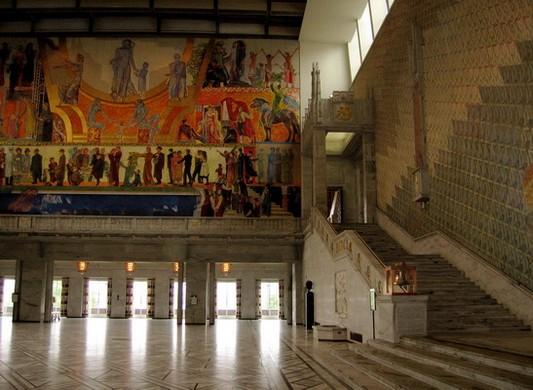 Осло. Городская ратуша. Зал, где проходят балы Нобелевских лауреатов. Фото: Ирина Рудская/ The Epoch Times