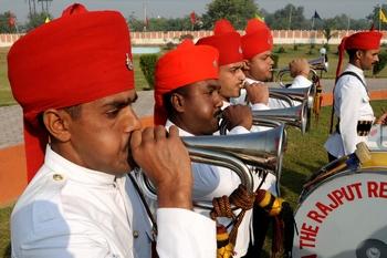 Военный оркестр в Индии. Фото: NARINDER NANU/AFP/Getty Images