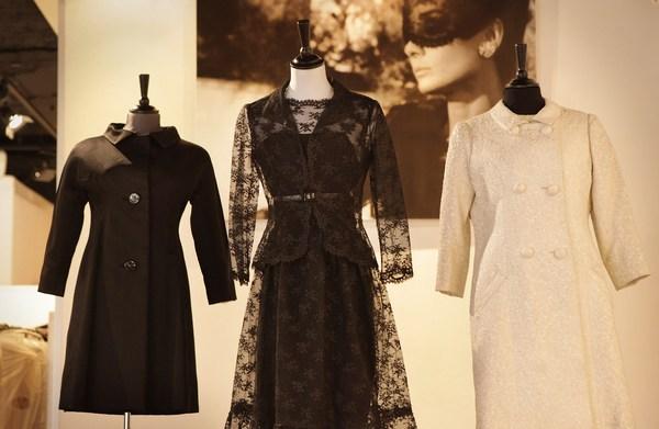 Аукционные дома Kerry Taylor и Sothebys сегодня, 8 декабря, выставят на торги в Лондоне платья, аксессуары и письма великой актрисы Одри Хепберн. Фото: Peter Macdiarmid/Getty Images