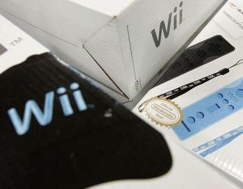 Приз конкурса воды: игровая приставка Wii компании Nintendo.. Фото: Justin Sullivan/Getty Images