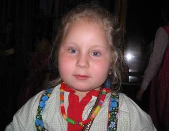 Самая юная певица, шестилетняя Лидия Григорьевна. Фото: Татьяна Серебрякова/Великая Эпоха