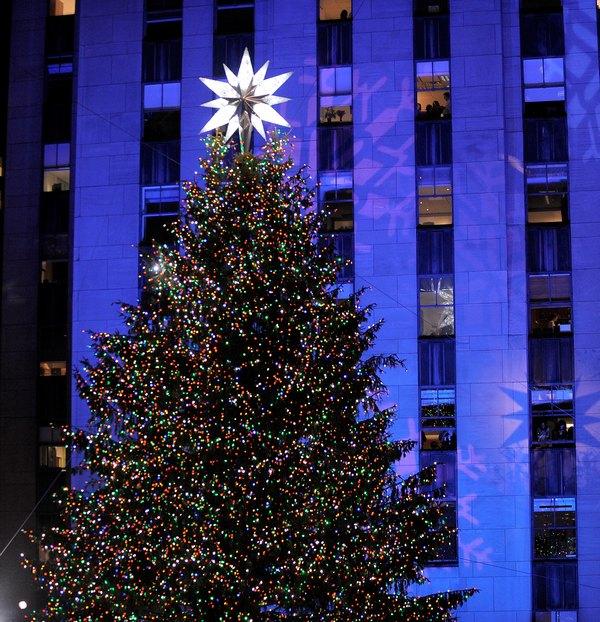 Самые высокие и красивые елки в мире,  в США, Нью-Йорк. Jemal Countess/Getty Images