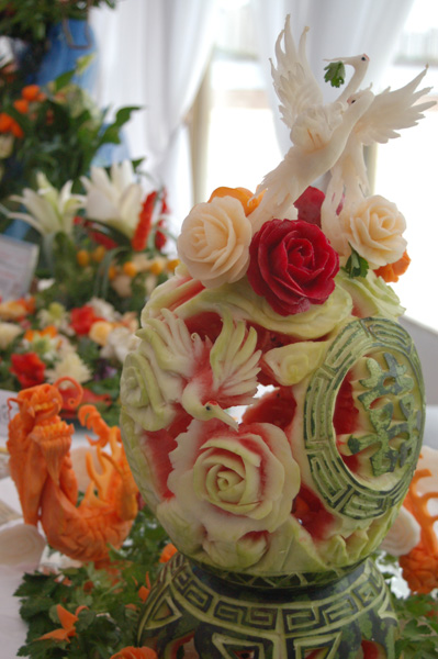 Соревнования по карвингу - художественной нарезке овощей и фруктов. Фото: Ирина Оширова/Великая Эпоха