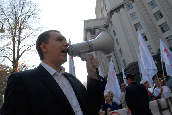 Предприниматели вышли к Кабинету Министров с предупредительной акцией протеста. Фото: Владимир Бородин/Великая Эпоха (The Epoch Times)