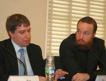 Максим Трудолюбов (слева), редактор газеты