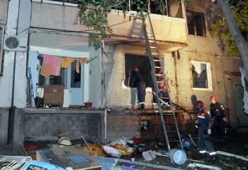 В результате взрыва газа в жилом десятиэтажном панельном доме по улице Шимановской в Хабаровске пострадали семь человек. Фото: regnum.ru