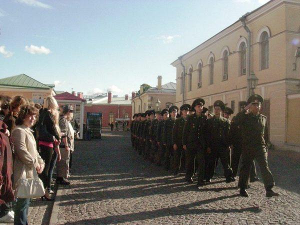 Торжественным маршем в память героя. Фото Дарья Полывянная /Великая Эпоха