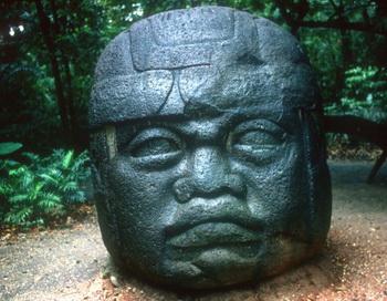 Некоторые исследователи считают, что мезоамериканская культура ольмеков имеет китайское происхождение. Фото с сайта Photos.com