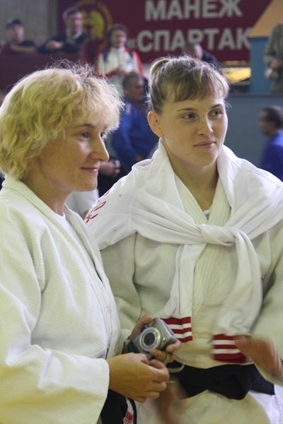Олеся Назаренко с подругой по дзюдо. Фото Александр Ерастов