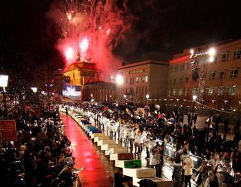 Праздник в Берлине завершился красочным салютом. Фото: AFP/Getty Images