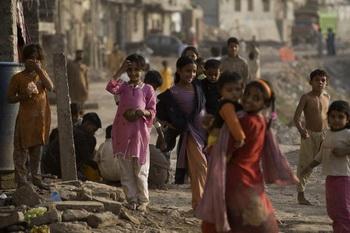 Теракт в Пакистане унес жизни более 30 человек. Фото: NICOLAS ASFOURI/AFP/Getty