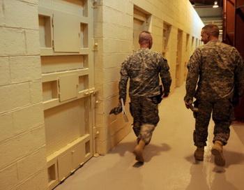 Вопрос о судьбе узников Гуантанамо остается открытым. Фото: MASSOUD HOSSAINI/AFP/Getty Images