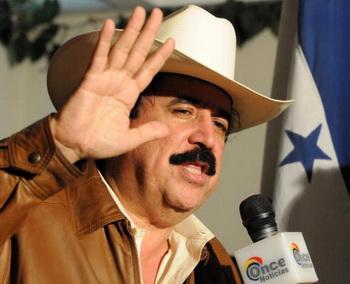 Свергнутый президент Гондураса Мануэль Селайя вновь в стране. Фото: ORLANDO SIERRA/AFP/Getty Images