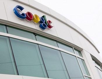 Google включил в результаты интернет-поиска новости и блоги Фото: Stephen Brashear/Getty Images
