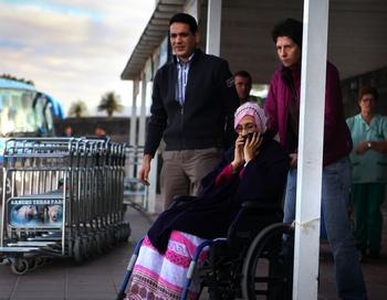 Аминату Хайдар продолжает опасную для ее жизни акцию протеста на Канарских островах. Фото: ANDRES GUTIERREZ/AFP/Getty Images