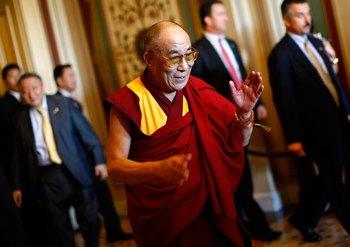 Культура Китая. Духовный лидер Тибета Далай Лама.  Фото: Win McNamee/Getty Images