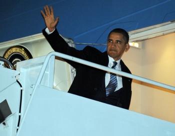 Барак Обама прибудет в Осло для получения Нобелевской премии мира  Фото: EWEL SAMAD/AFP/Getty Images