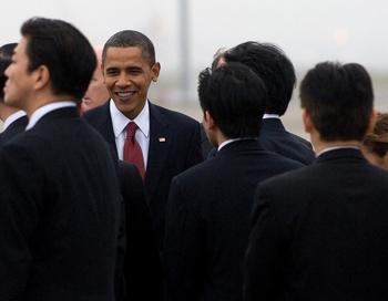 Это первый визит Обамы в качестве президента в азиатский регион. Фото: SAUL LOEB/AFP/Getty Images