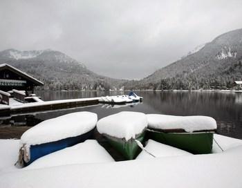 На Европу обрушилась снежная стихия: Германия 15 октября. Фото: Miguel Villagran/Getty Images