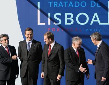 Лиссабонский договор о реформах Евросоюза. Фото: FRANCISCO LEONG/AFP/Getty Images