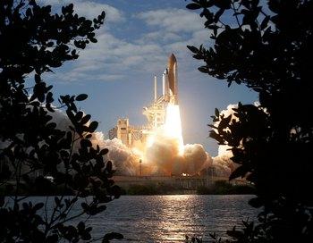 На космодроме на мысе Канаверал в американском штате Флорида стартовал шаттл