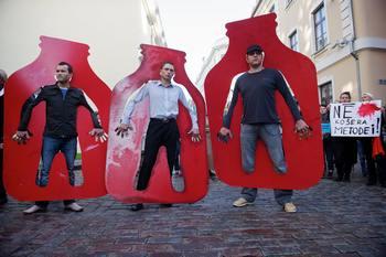 Протест в Латвии. Фото: ILMARS ZNOTINS/AFP/Getty Images