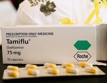 Врачи говорят, что, несмотря на случаи устойчивости вируса к тамифлю, препарат все равно рекомендован к применению к случае заболевания свиным гриппом. Фото: Hannah Johnston/Getty Images