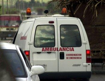 Многие пассажиры потерпевшего крушение парома до сих пор находятся в воде. Фото: Jorge Rey/Getty Images