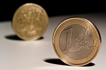 Монета  1 евро. Фото: Leon Neal/AFP/Getty Images