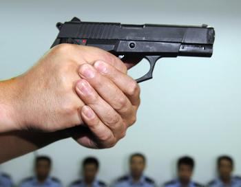 Милиционер расстрелял безоружных трезвых школьников. Фото: AFP/AFP/Getty Images