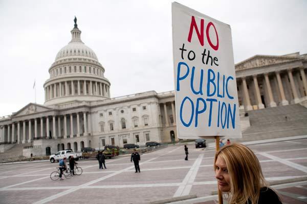 У реформы здравоохранения много противников. Фото: Michelle Poland/Getty Images