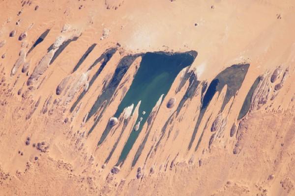 Озера посреди пустыни в Чаде. Фото: NASA, GeoEye