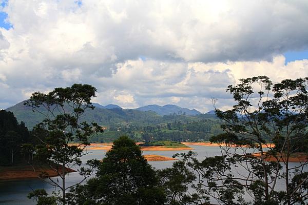 Шри-Ланка. Горное озеро. Фото: Сима Петрова/Великая Эпоха (The Epoch Times)