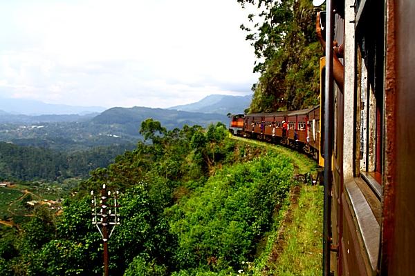 Шри-Ланка. Поезд. Фото: Сима Петрова/Великая Эпоха (The Epoch Times)