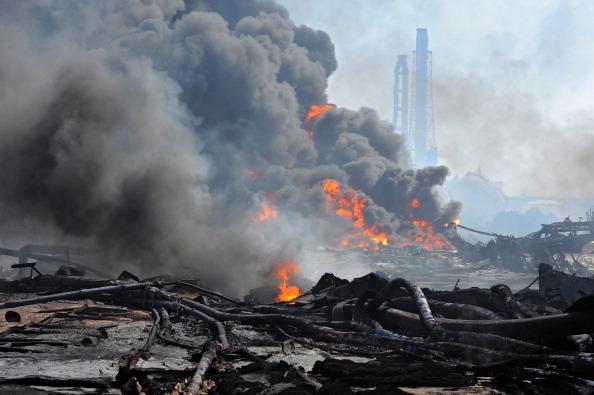 В Японию, где в районах АЭС «Онагава» и «Фукусима-1» объявлено ЧП в связи с колоссальными разрушениями после землетрясений и цунами, МЧС России отправило вечером 13 марта самолёт Ил-76. Фото: MIKE CLARKE, KIM JAE-HWAN, JIJI PRESS, PHILIPPE LOPEZ/AFP/Getty Images